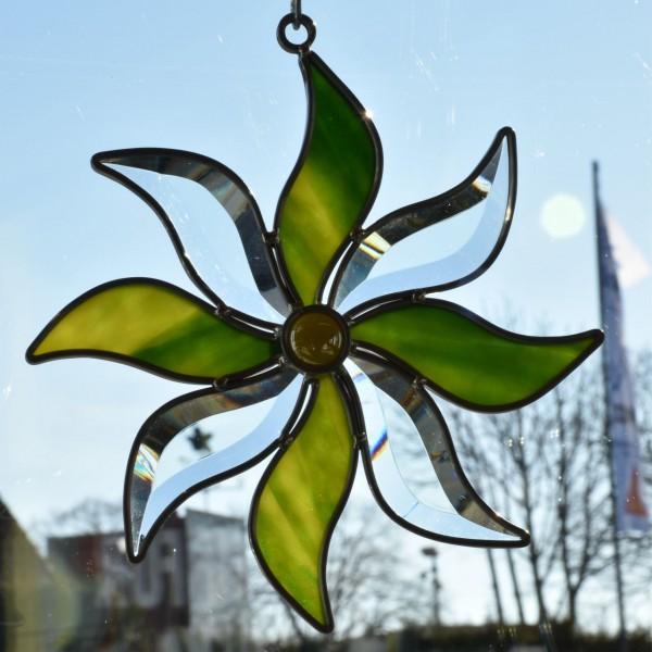 Blume klein grün