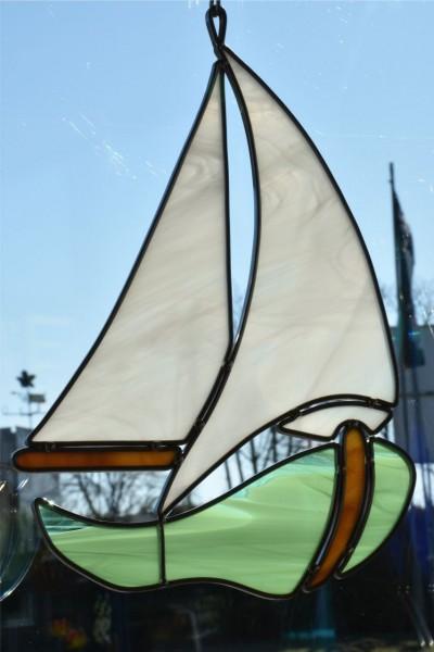 Segelboot grün
